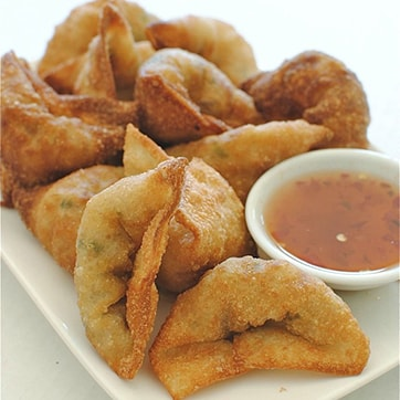 FRIED PORK WONTON WITH SWEET & SOUR SAUCE