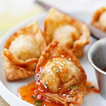 SEAFOOD WONTON WITH SWEET & SOUR SAUCE